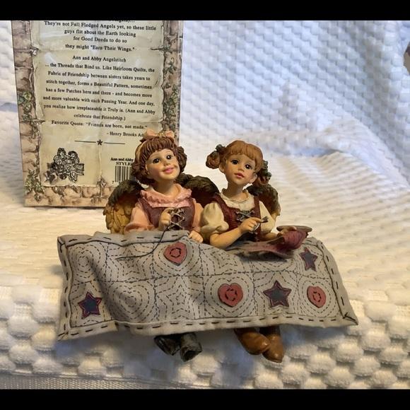 Boyd's Bears - Ann and Abby